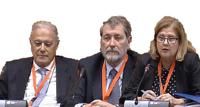 Diputados asfálticos en una Comisión de mudos
