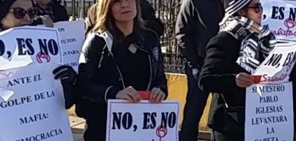 manifestantes_psoe_leon_susana_web