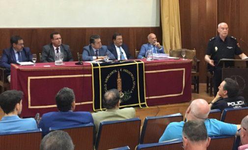 El Ayuntamiento da carpetazo a 'La Madrugá' con el descontento de los sevillanos