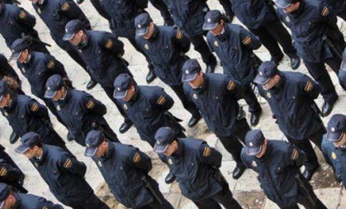 Los policias se rebelan por sus bajos salarios