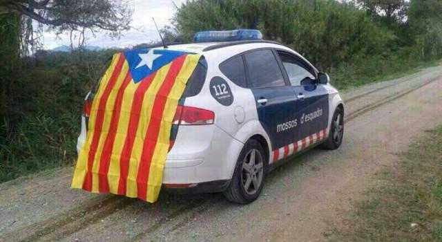 estalada_coche_patrulla_mossos